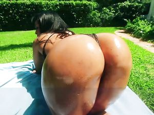 Big Booty Latin Girl Fucked Hardcore Outdoors