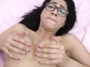 Cum In The Cunt Of The Teenage Nerd In Glasses