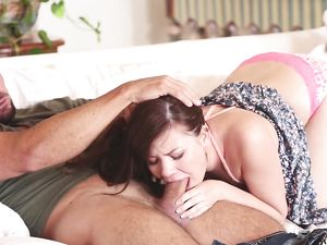 Cocksucking Cutie Spreads Wide And Gets Fucked