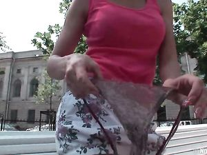 Public Pussy Flashing Turns Her On To Fuck The Guys