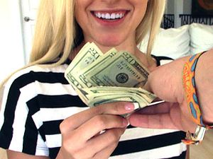 Cash For The Cute Blonde To Fuck And Take A Facial