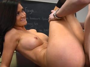 Kendall Karson And Her Crazy Hot Body Fucking Hardcore