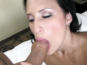 Latina Girl Jennifer Linda Fucked For A Facial