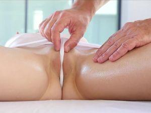 Erotic Massage Sex With Petite Beauty Lexy Lotus
