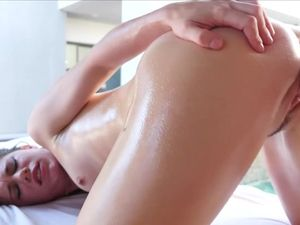 Erotic Massage Sex With Petite Beauty Lexy Lotus