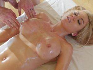Parker Swayze And Her Perfect Tits Covered In Oil