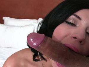 Raven Haired Glamour Babe Fucked In His Hotel Room