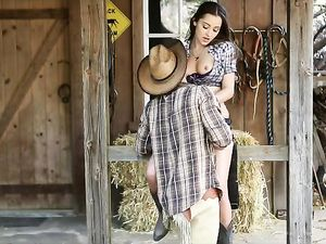 Cowgirl Dani Daniels Fucked And Filled With Cum